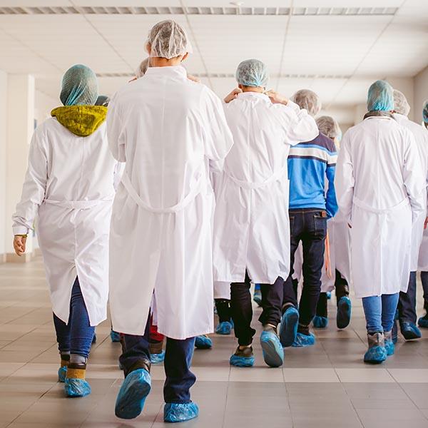 papelmatic-higiene-profesional-equipos-proteccion-individual-para-la-industria-alimentaria-cubrezapatos