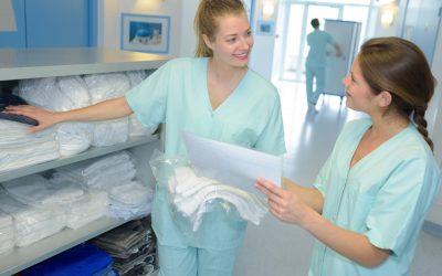 ¿Cómo tratar la ropa hospitalaria en la lavandería?