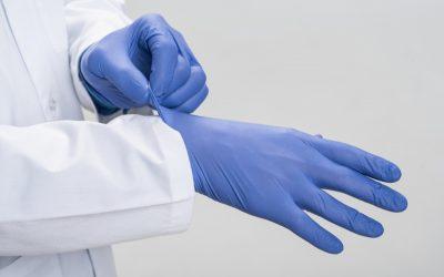 Guantes de nitrilo, la opción más resistente