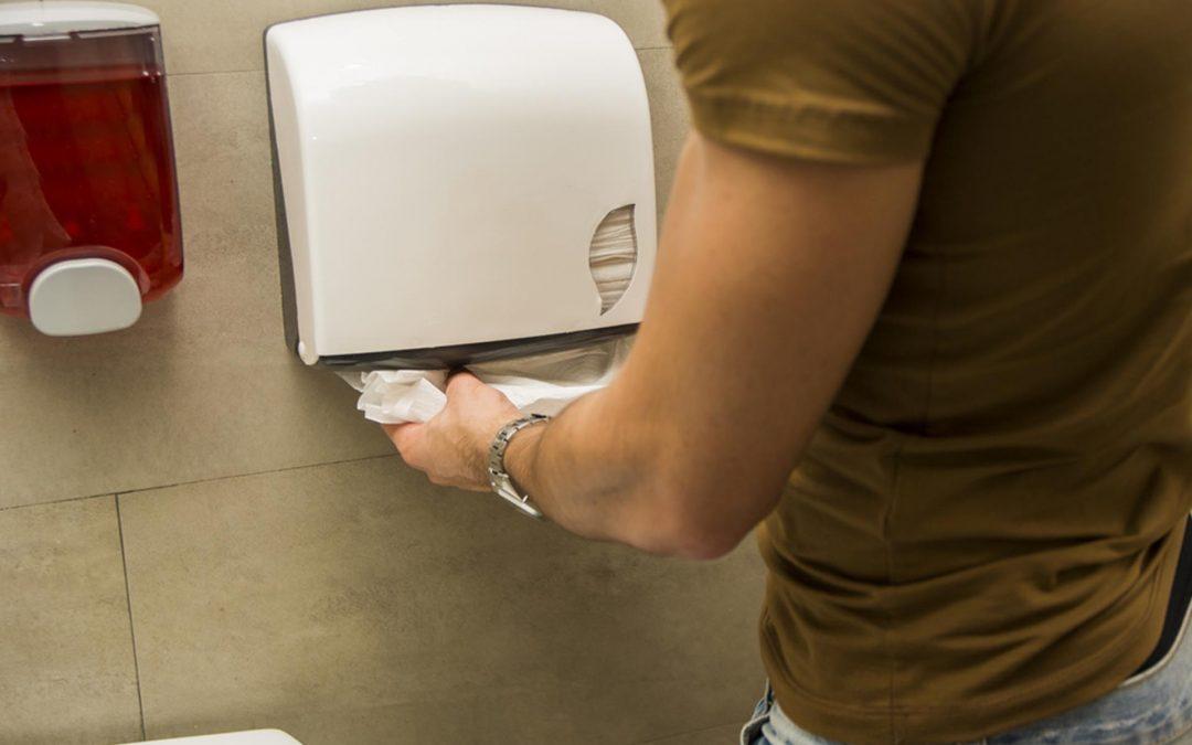 Las toallas de papel cortadas, más higiénicas que las bobinas de celulosa