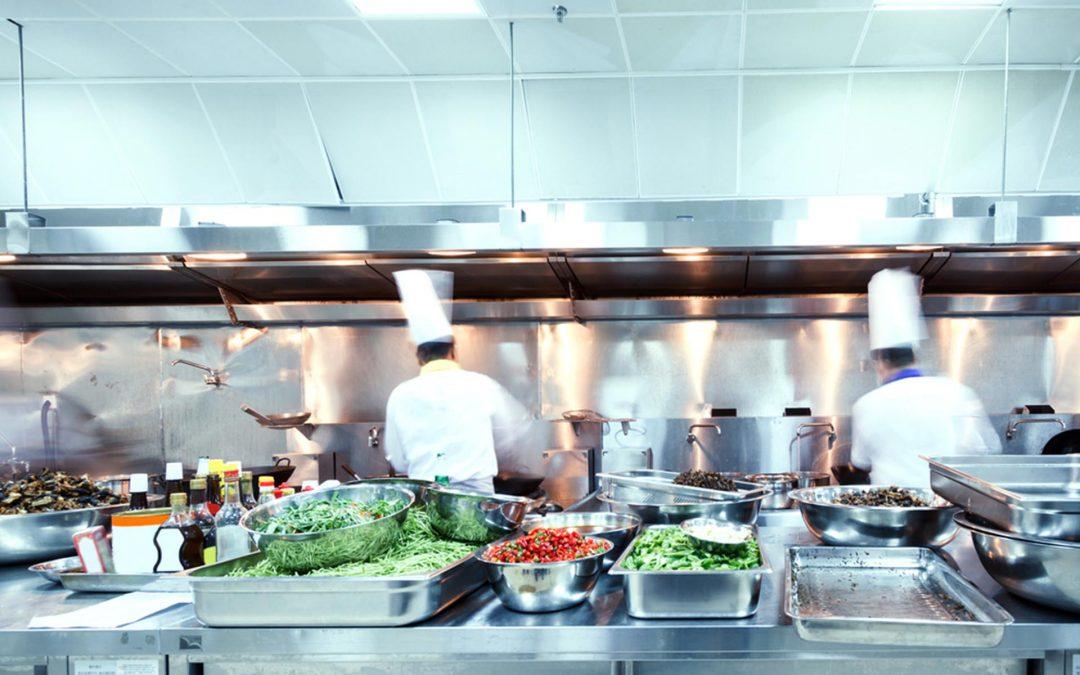 Limpieza en las cocinas: ¿Por qué es diferente al resto de espacios?
