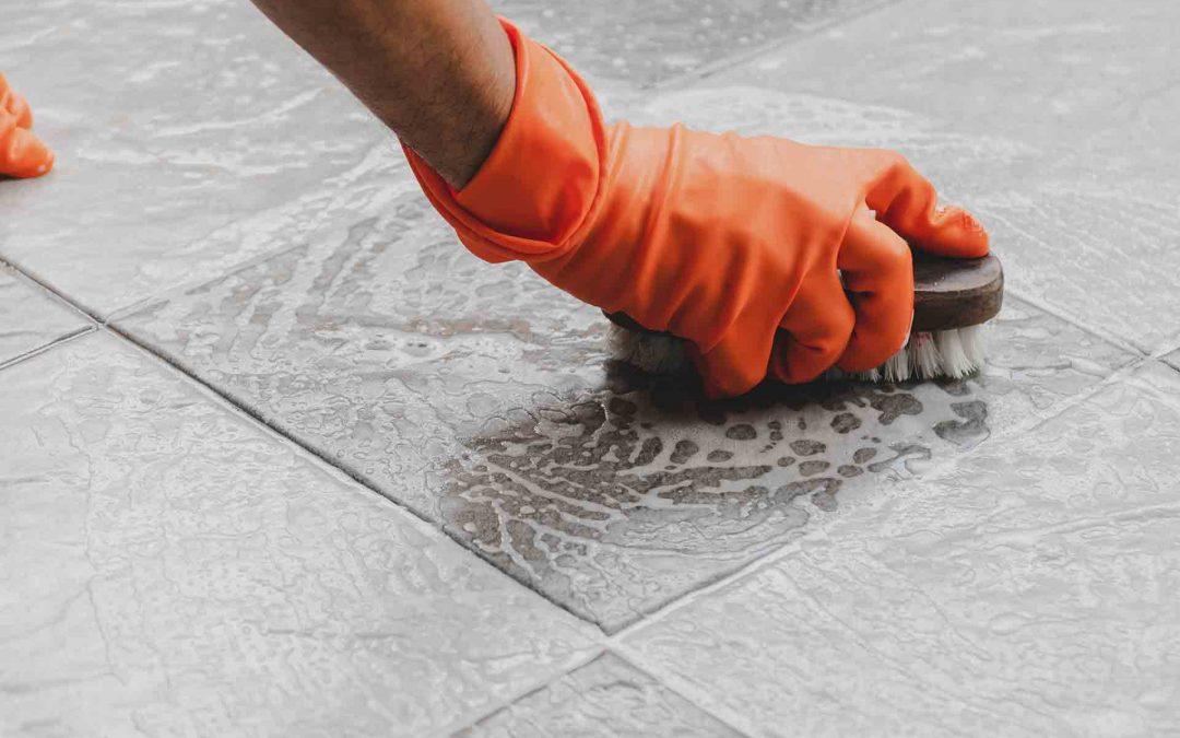 ¿Cómo limpiar el material de limpieza tras su uso?