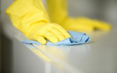 Secar las superficies, una acción imprescindible tras la limpieza