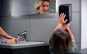 papelmatic-higiene-profesional-altura-dispensadores-papel-jabon-1080x675