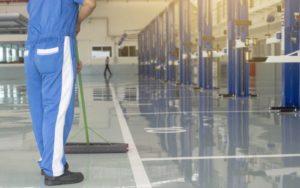 papelmatic-higiene-profesional-riesgos-laborales-durante-la-limpieza-1080x675