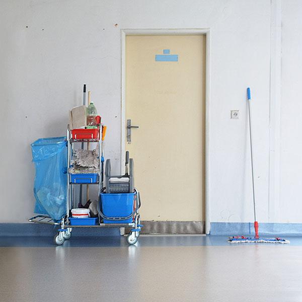 papelmatic-higiene-profesional-limpieza-en-los-hospitales-covid19-zonas-comunes