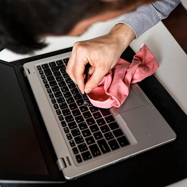 papelmatic-higiene-professional-desinfeccio-dispositius-electronics-riscos