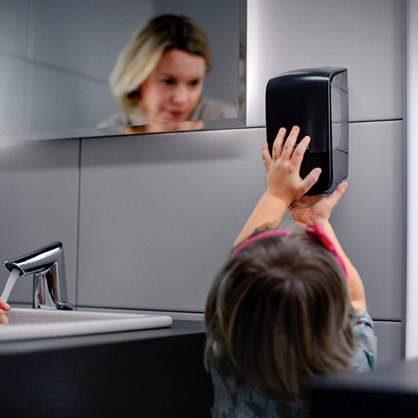 papelmatic-higiene-profesional-dispensadores-katrin-inclusive-atractivo