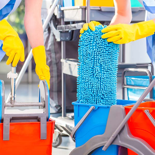 papelmatic-higiene-profesional-proteger-personal-limpieza-material-necesario