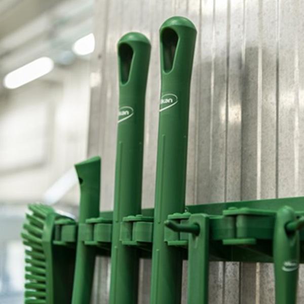 papelmatic-higiene-profesional-prevenir-riesgos-asociados-material-limpieza-invierte