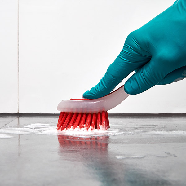 papelmatic-higiene-profesional-prevenir-riesgos-asociados-material-limpieza-riesgos
