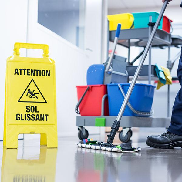 papelmatic-higiene-profesional-consecuencias-limpieza-incorrecta-bajas-laborales