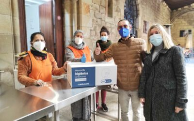 Donamos 8.000 mascarillas al Hospital de Campaña de la parroquia Santa Anna