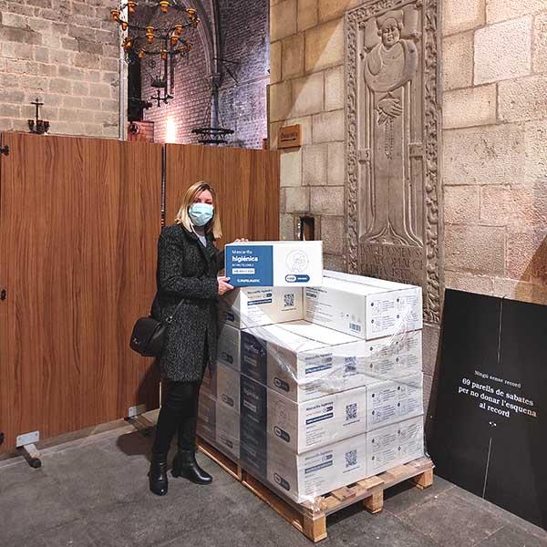 papelmatic-higiene-professional-donacio-mascaretes-hospital-campanya-santa-anna-entrega2