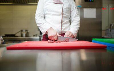 Com fer un ús higiènic de les taules de tallar aliments?